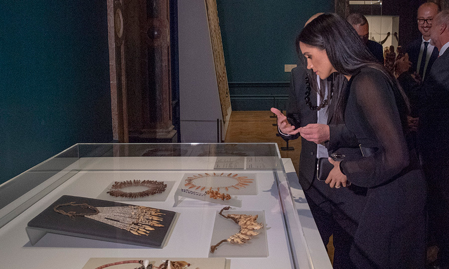 The duchess took a peek at some traditional jewels.