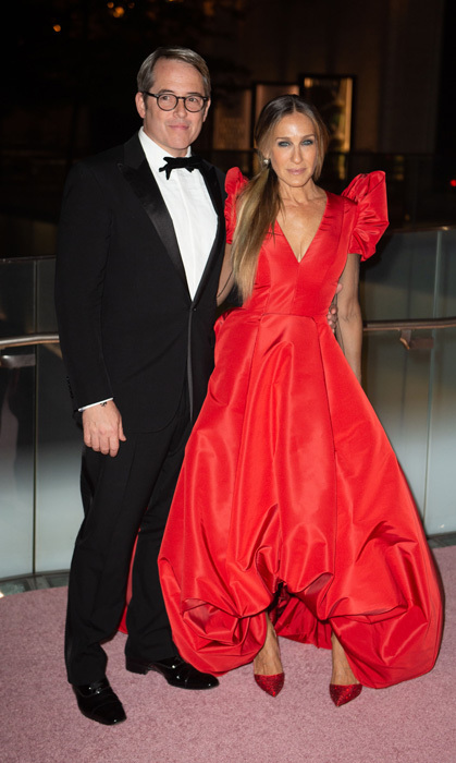 Sarah Jessica Parker and Matthew Broderick had quite the date night at the New York City Ballet 2018 Fall Fashion Gala at Lincoln Center. The shoe designer looked ravishing in a red ball gown while her husband was dapper in a tux.