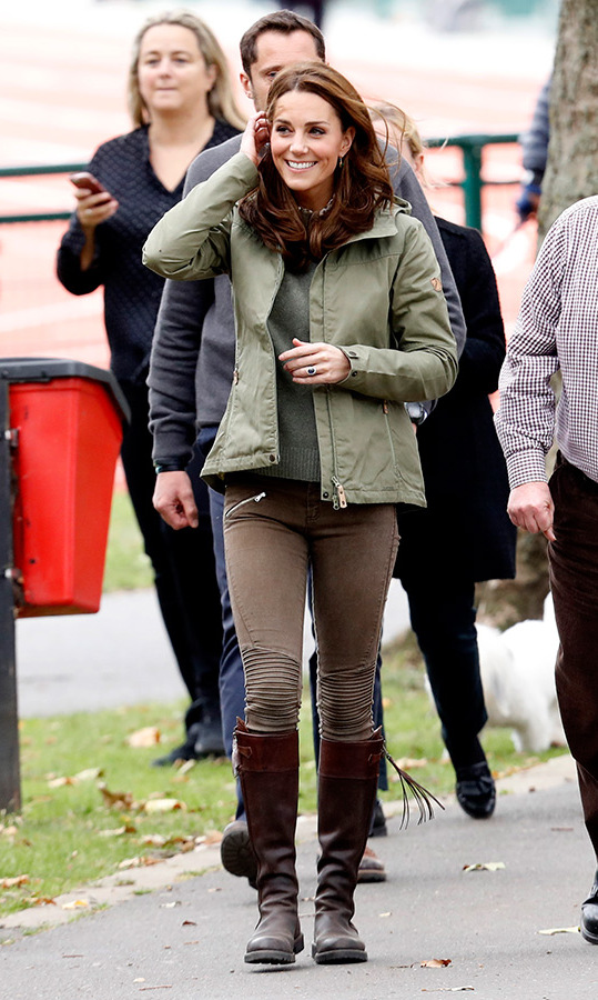 Kate was dressed appropriately for the fun, hands-on outing, wearing a pair of moto jeans, a khaki jacket and her trusty pair of Penelope Chilvers tassel boots. In addition to her stunning sapphire engagement ring, she wore Monica Vinader's Green Onyx Siren Wire Earrings. 
