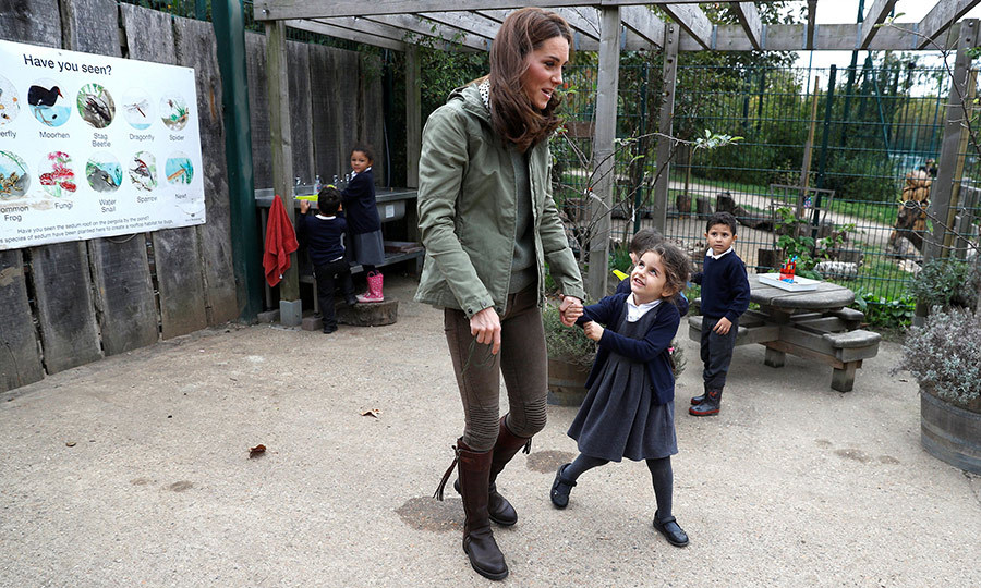 The adorable students couldn't get enough of Kate!