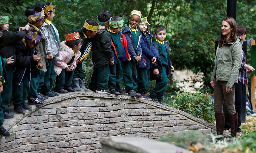 The sweet schoolchildren all lined up to hug Kate goodbye.