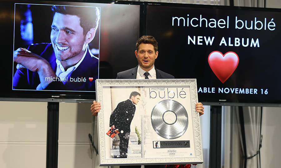 Michael Bublé loves love! He posed during a press conference on Oct. 3 in Australia to promote his upcoming album, set to be released on Nov. 16.