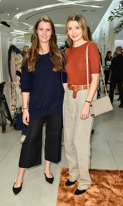 Paulina X and Ela Aldorsson