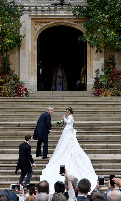 Before heading inside the chapel to become Mrs. Brooksbank, the bride paused to thank hundreds of well-wishers gathered outside the west steps. 