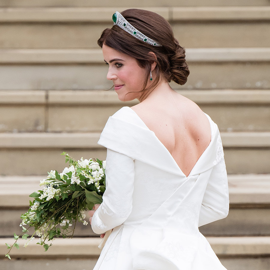 <h2>NO VEIL</h2>