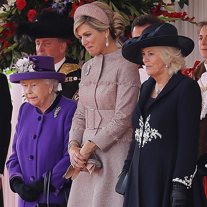 The Queen, Máxima and Camilla looked lovely as ever during the welcome ceremony. The Duchess of Cornwall looked beautiful in an all-black ensemble featuring white floral embroidery, while the two queens brought some colour.