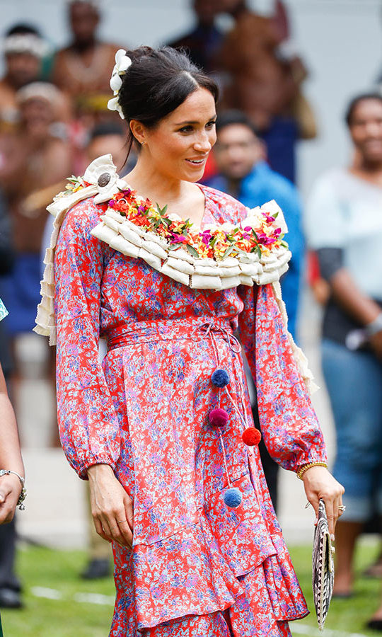 The expectant duchess was also given a traditional garland to wear. 