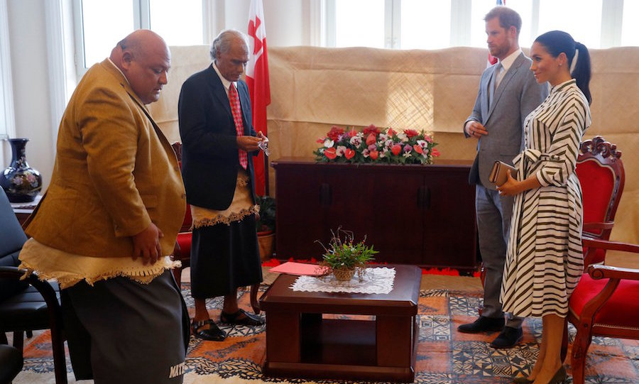 The parents-to-be held a meeting with the Prime Minister of Tonga, Akilisi Pohiva.