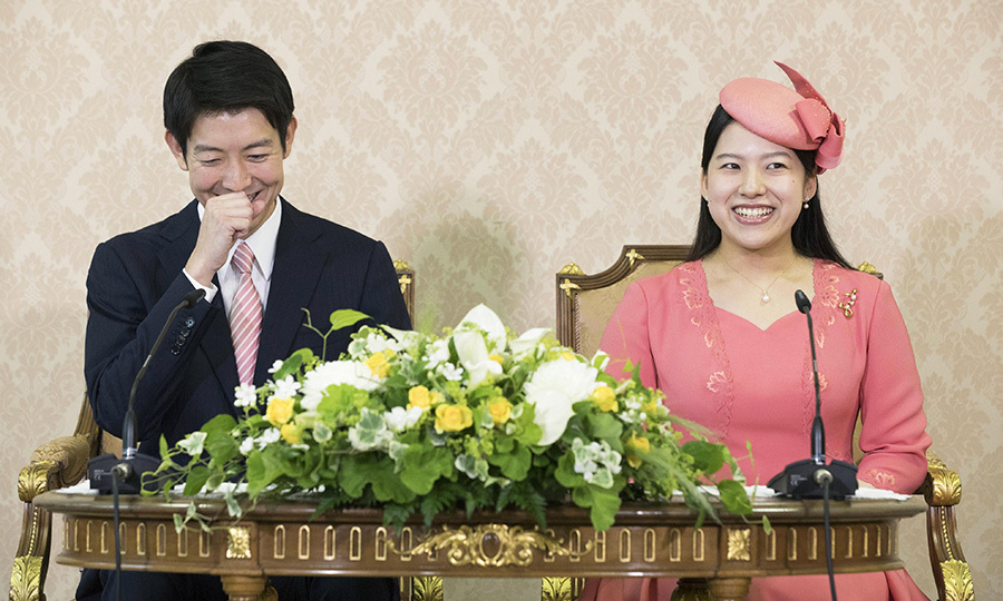 On July 2, Princess Ayako, the youngest daughter of Emperor Akihito's late cousin Prince Takamado, and Kei Moriya attended a press conference at the Imperial Household Agency in Tokyo following an official announcement of their engagement earlier in the day. 