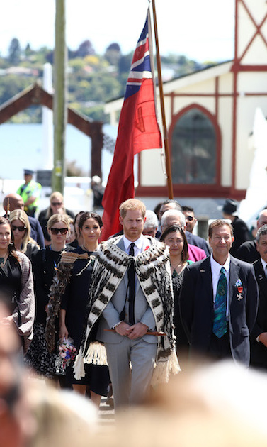 The couple witnessed a traditional Maori haka outside of Te Papaiouru Marae.