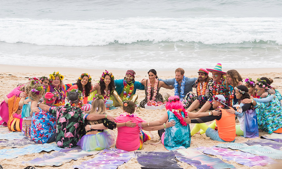 This was certainly one of their most colourful days on tour! The couple visited Bondi Beach to meet with OneWave, a mental health initiative in the area, and participate in an 'anti-bad vibes circle.'