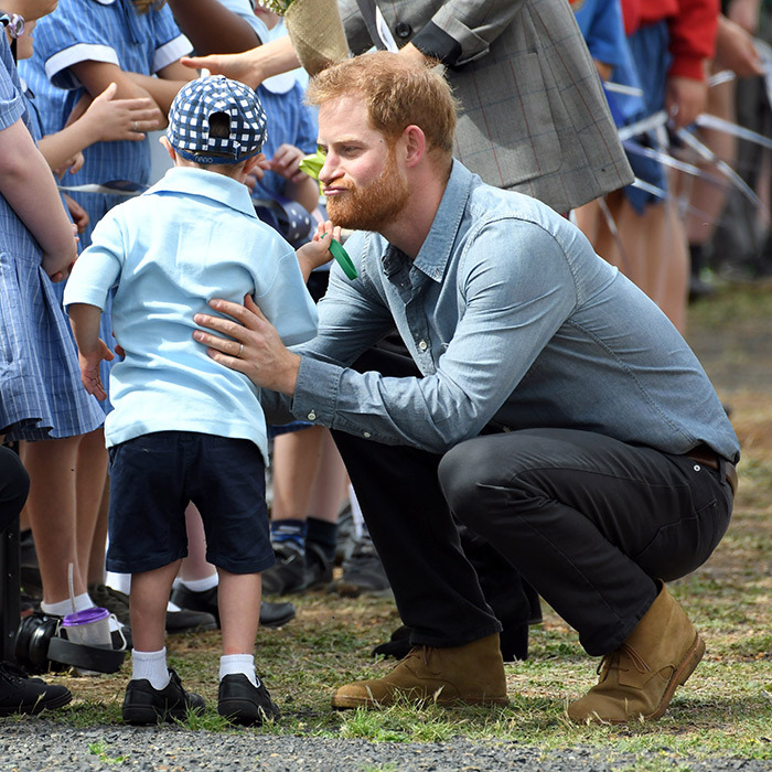 Five-year-old Luke Vincent had a tug at Prince Harry's beard! It was easily one of the sweetest moments of the tour, after the couple touched down in Dubbo, Australia.