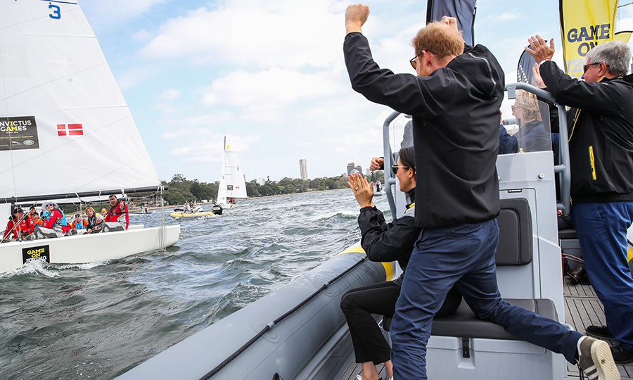 Prince Harry and Meghan sailed across Sydney Harbour as they cheered for the Invictus sailing teams! They also got to meet Team Canada, which the duchess was definitely excited about, having called the Great White North home for seven years while filming <em>Suits</em>.