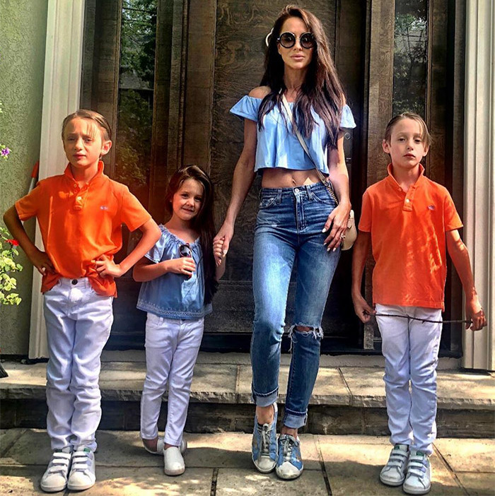 "And just for fun, two sets of twins ... one fraternal and one sartorial. ""When the Big  is away, the    will play. We take Saturday night very seriously,"" Jessica wrote.