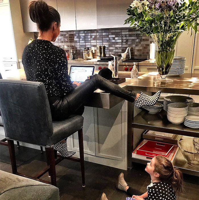 Jessica's work flow is super stylish, especially when her and Ivy sport matching polkadots!