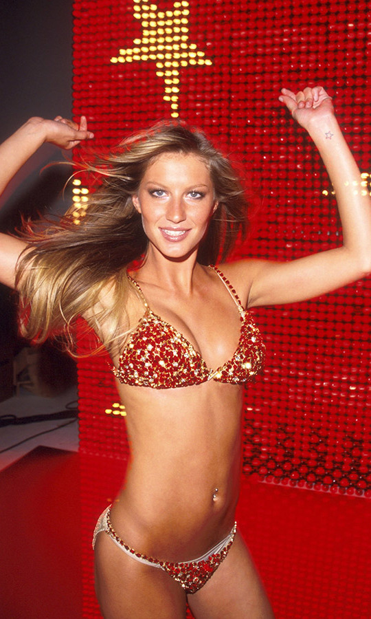 <h2>Gisele Bundchen, 2000</h2>
