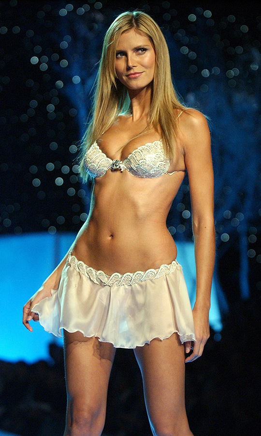 <h2>Heidi Klum, 2001</h2>