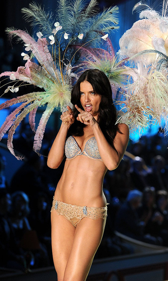 <h2>Adriana Lima, 20010</h2>
