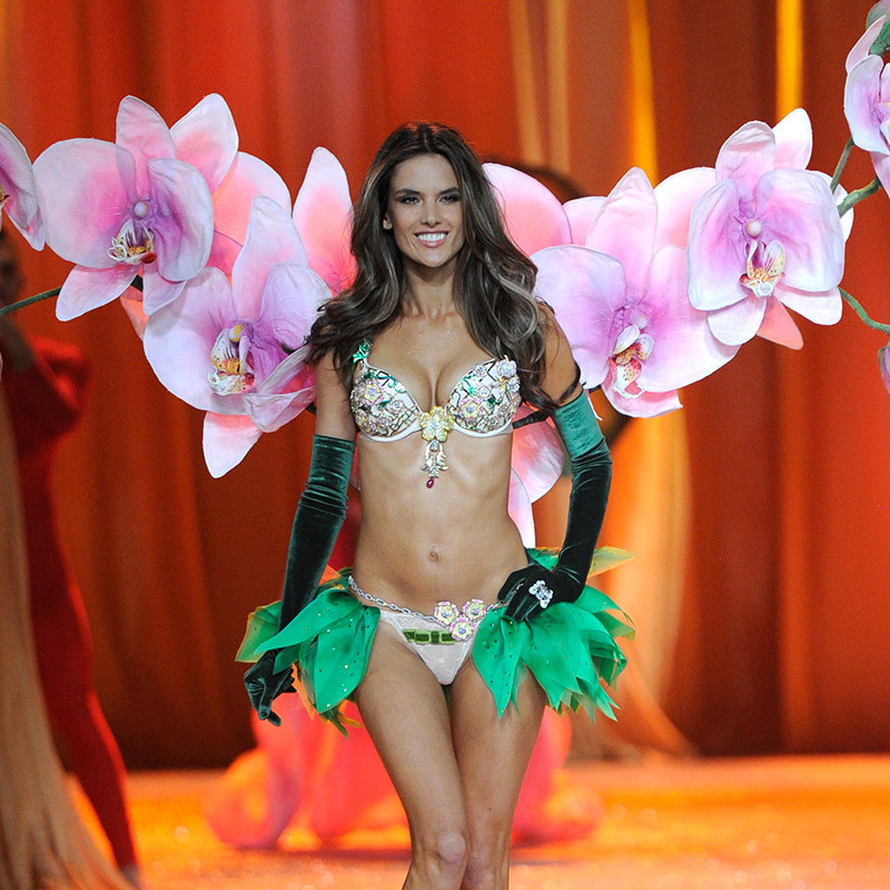 <h2>Alessandra Ambrosio, 2012</h2>