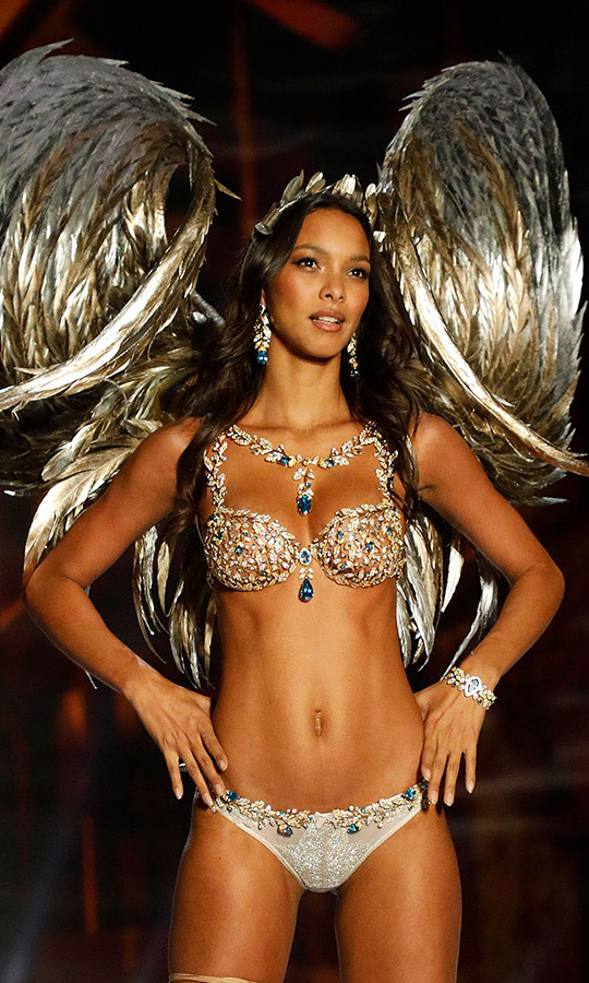 <h2>Lais Ribeiro, 2017</h2>