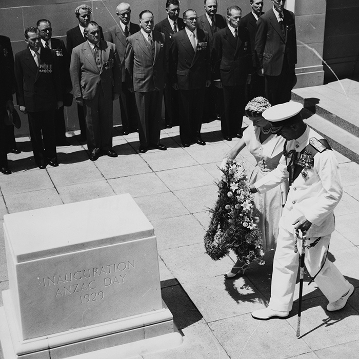 <h2>1954</h2>