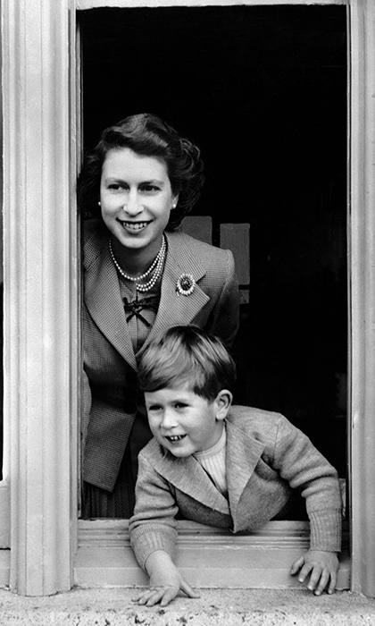 <h2>A NEW LIFE AT THE PALACE</h2>