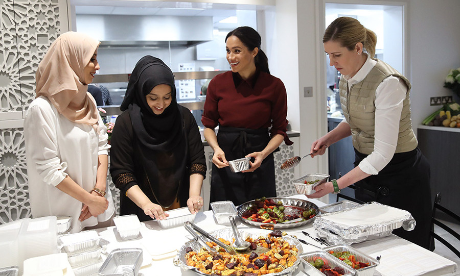 Meghan helped to pack colourful dishes into individual containers to be delivered to homeless shelters, female refugees and homes for the elderly. The kitchen was preparing 200 meals in one day!