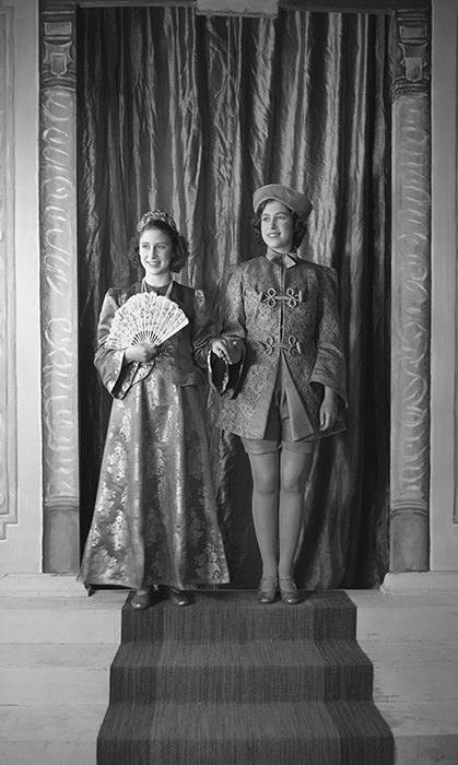 <h2>1943</h2>