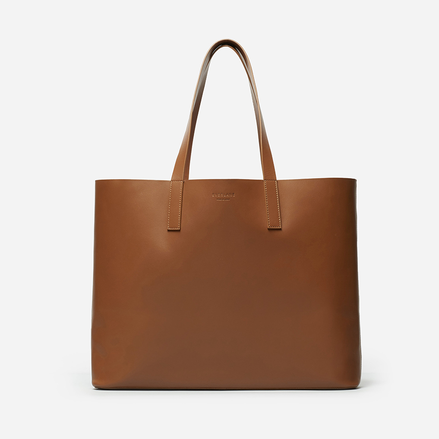 Meghan toted this luxe, ethically produced Italian leather bag to the Invictus Games in Toronto when she and Prince Harry stepped out for the first time as a couple! 