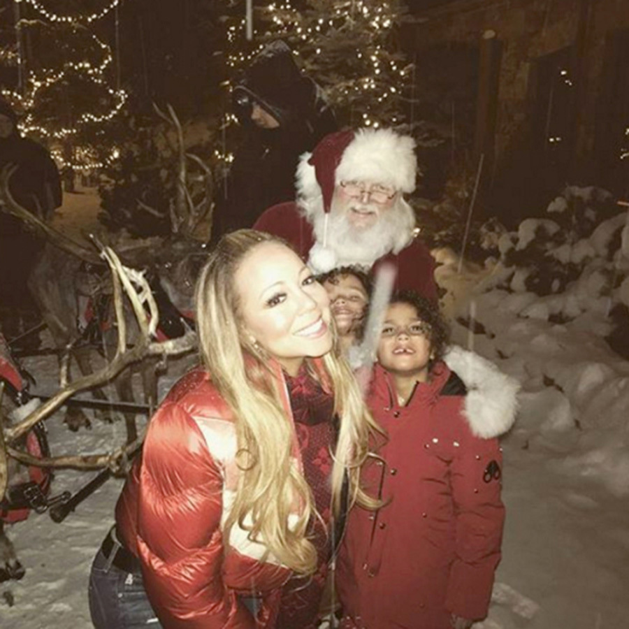 Mariah Carey's cuties Moroccan and Monroe got a special visit from Santa Claus (and his reindeer!) in 2017 while vacationing in Aspen.