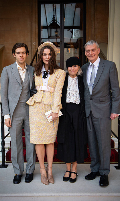 It's a very happy Thursday (Dec. 13) for Keira Knightley! The <em>Atonement</em> leading lady took her parents, Will and Sharman, and husband, James Righton, to Buckingham Palace to receive her OBE.