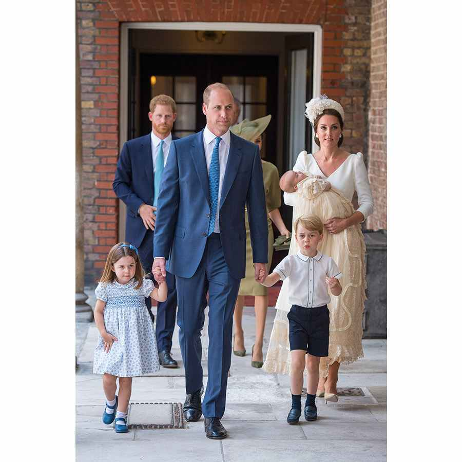 <h2>The family of five has arrived</h2>