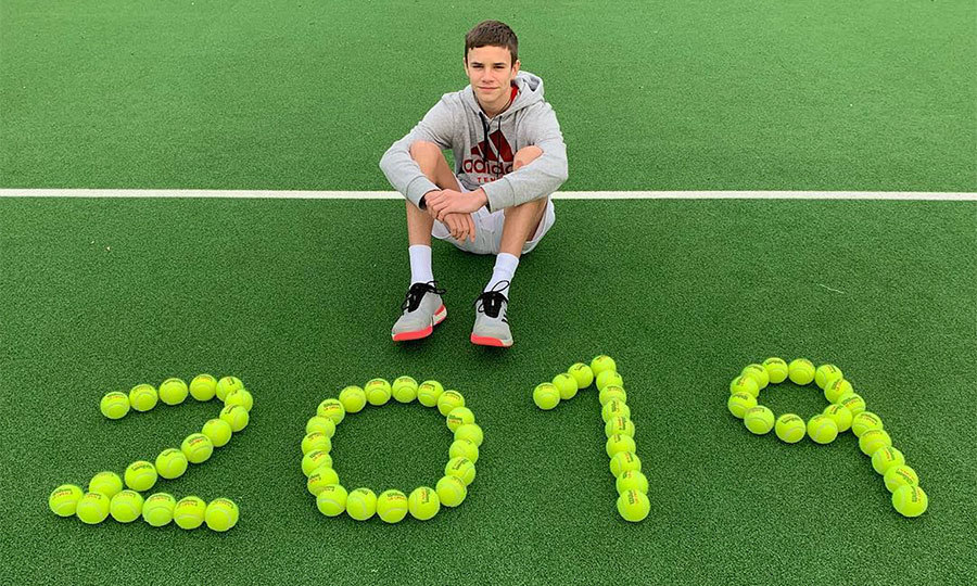 <h2>Romeo Beckham</h2>