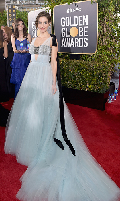 Alison Brie in Vera Wang