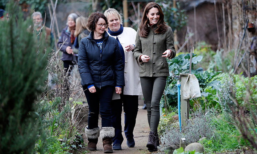 "When the <a href=""/tags/0/kate-middleton/"">Duchess of Cambridge</a> takes to the great outdoors to show off her green thumb, it's always a treat for fans! On Tuesday (Jan. 15), the mother of three headed to King Henry's Garden Walk in Islington to learn about the project, which brings local people together to grow food and work with the plant life. Not only did she get to take part in a winter planting workshop and help a gaggle of adorable young fans to make bird feeders, but she also got to show off a skill she's honed with her own little ones: pizza making!