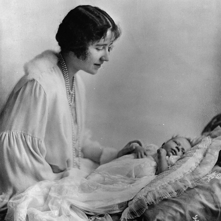 <h2>Elizabeth, Duchess of York</h2>
