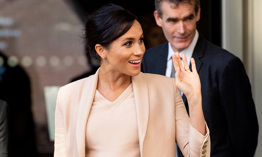 "The pregnant <a href=""https://ca.hellomagazine.com/tags/0/meghan-markle""><strong>Duchess of Sussex</strong></a> has a busy week ahead of her, which started with a visit to The National Theatre! Meghan was made patron of the organization on Jan. 10, but had <a href=""https://ca.hellomagazine.com/royalty/02018121349035/meghan-markle-secret-national-theatre-meeting""><strong>a secret meeting</strong></a> with the theatre's director, Rufus Norris, late last year. A known theatre fanatic (and a former actress!) the duchess is likely thrilled to be lending a hand to her artsy patronage.