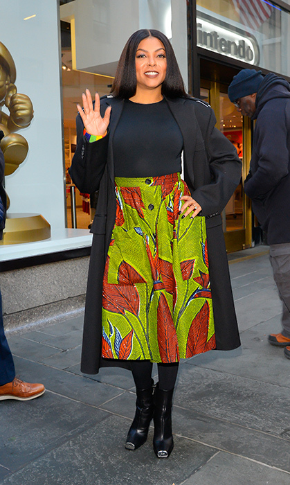 Taraji P. Henson brought some major colour to the chilly streets of New York! The actress was spoted in a brown-and-green retro skirt while outside <em>The Today Show</em> headquarters.