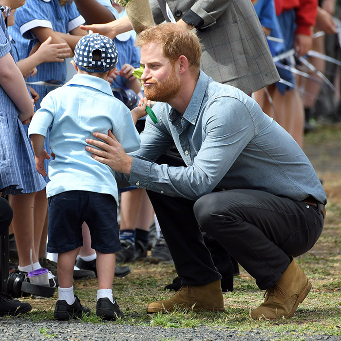 Five-year-old Luke Vincent had a tug at Prince Harry's beard! It was easily one of the sweetest moments of he and Duchess Meghan's royal tour, after the couple touched down in Dubbo, Australia.