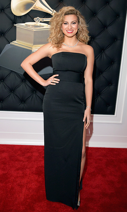 Tori Kelly in Paule Ka