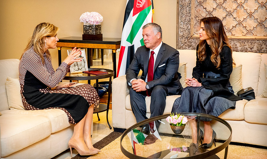 Queen Maxima had an enthusiastic conversation with King Abdullah and Queen Rania of Jordan at the Royal Palace.