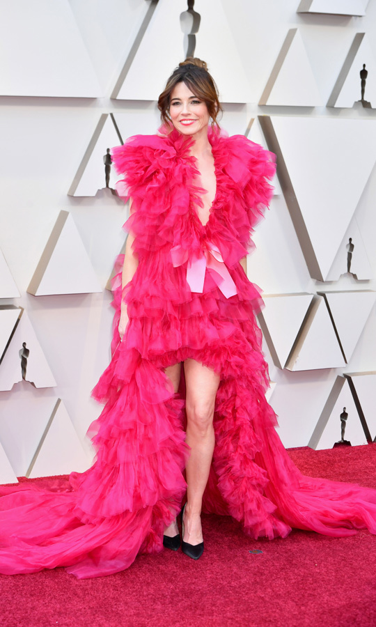 Linda Cardellini in Schiaparelli