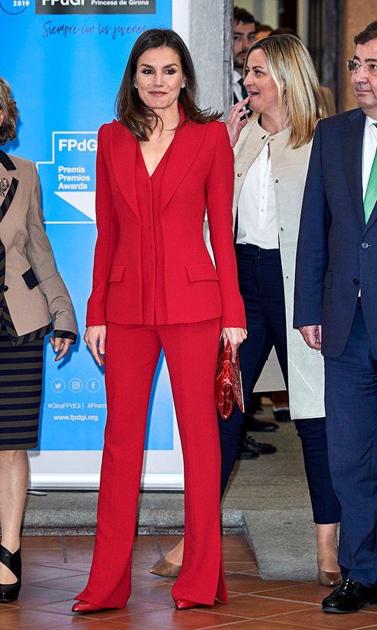 "<strong><a href=""https://ca.hellomagazine.com/tags/0/queen-letizia"">Queen Letizia</a></strong> of Spain was radiant in red on March 6 while attending an event at the San Francisco Cultural Center. She wore the bold hue from head to toe, including chic pumps and a crocodile-pattern clutch.