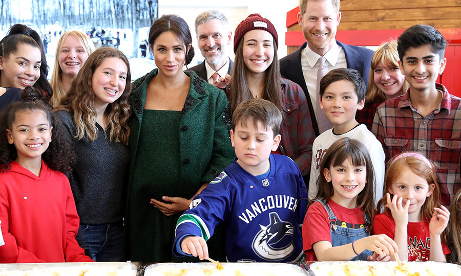 Have you ever made maple syrup taffy? Now both Prince Harry and Duchess Meghan have! 
