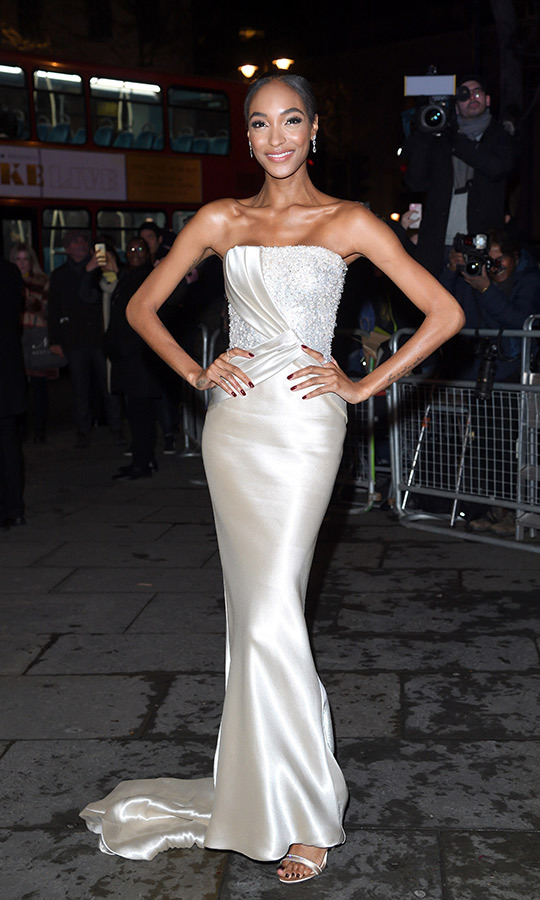 English supermodel and actress Jourdan Dunn looked beautiful in a satin strapless gown for the affair.