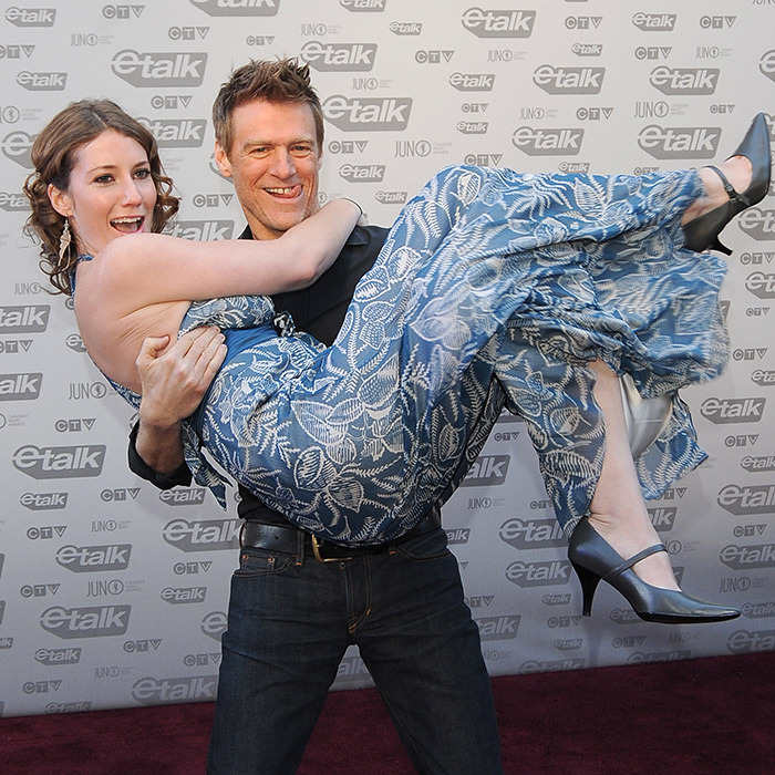 "Singers Kathleen Edwards and <strong><a href=""https://ca.hellomagazine.com/tags/0/bryan-adams"">Bryan Adams</a></strong> posed for a cheeky snap on the red carpet. The then-49-year-old musician was up for Best Artist that year.