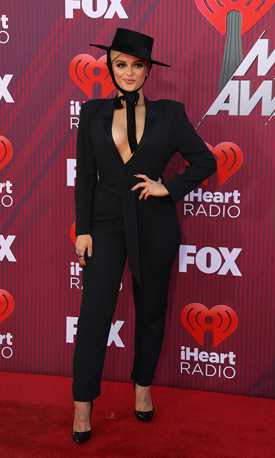 "<strong>Bebe Rexha</strong> wore a classy hat and suit that showed off multiple ribbons! Bebe took home the best collaboration award for her work with Florida Georgia Line on the single ""Meant to Be.""