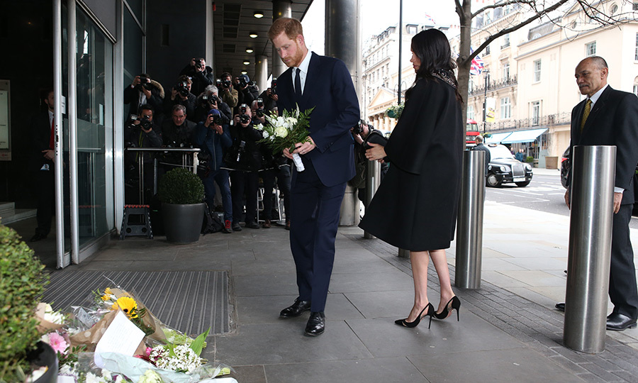 The duke also left a bouquet to honour those who lost their lives. 