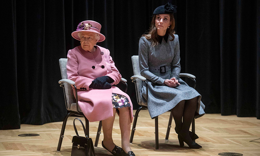 "The <a href=""https://ca.hellomagazine.com/tags/0/duchess-of-cambridge""><strong>Duchess of Cambridge</a></strong> stepped out with <a href=""https://ca.hellomagazine.com/tags/0/queen-elizabeth"">the Queen</a></strong> on March 19 for a rare joint engagement at King's College, London. Kate looked <a href=""https://ca.hellomagazine.com/royalty/02019031950488/kate-middleton-stuns-catherine-walker-joint-outing-queen"">gorgeous in grey</a>, while Her Majesty stunned in pink! 