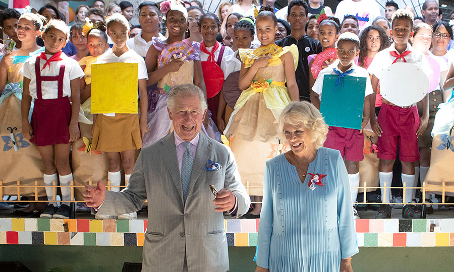 The royal couple were met by many smiling faces at the Muraleando Community Centre in Havana! And they added their own to the mix!